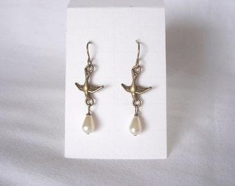 bird earrings, pearl earrings, swallow earrings, boho, dangle earrings, steampunk jewelry, Fall  2016 fashion trends, great gift idea