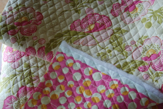 Amy Butler Double Sided Pre Quilted Poppies And Martini Dot