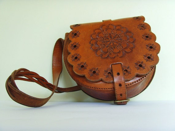 Vintage tan brown leather tooled boho bag