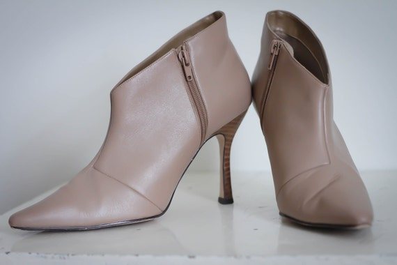 Neutral Fashion Ankle Boots