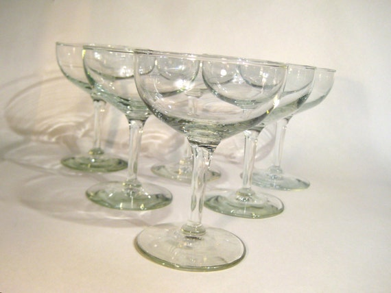 12 Vintage Champagne or Cocktail Glasses - Coupes - Saucers - Bowls