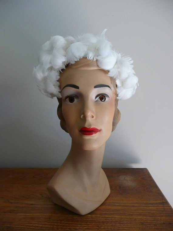 Vintage 1950s Pure White Feather Hat