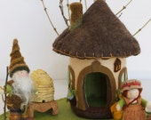 Little Gnome Bungalow made of Felt