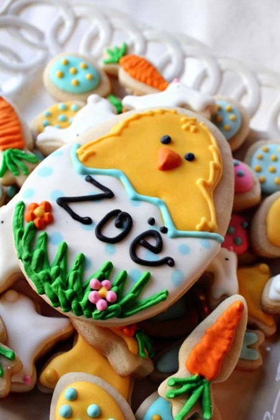 Personalized Easter Chick Vanilla Sugar Cookie w/ a Dozen Mini Easter Cookie NIbbles