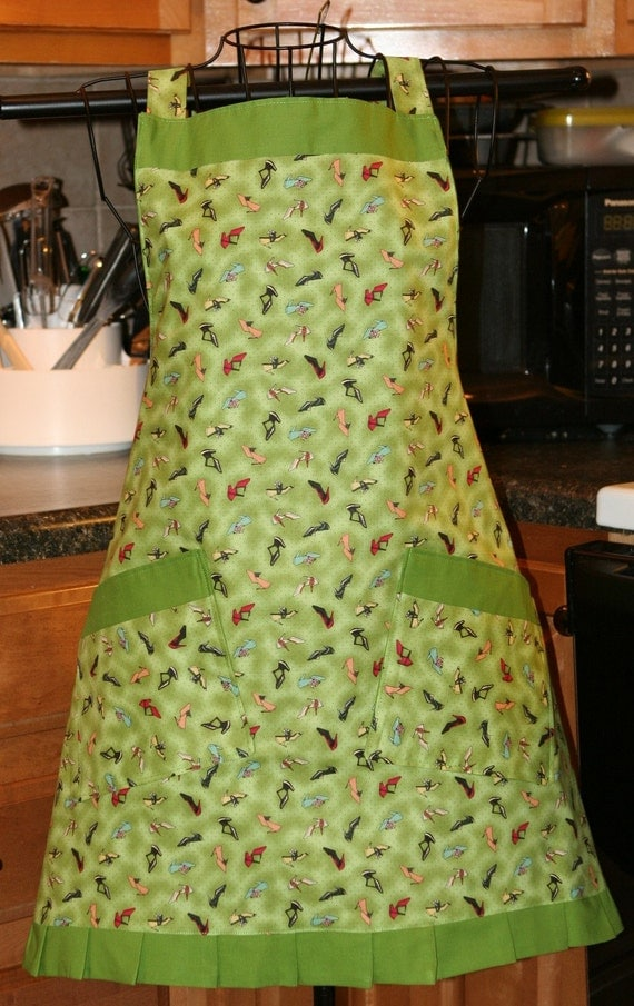 Apron Full Bib Reversible Vintage Shoes