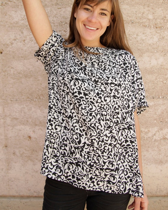 BAROQUE 90s SILK oversize slouchy Black & White ABSTRACT art top