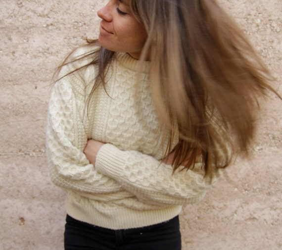 WOOL boxy CROPPED thick SWEATER cable knit cream warm & cozy Made in Ireland