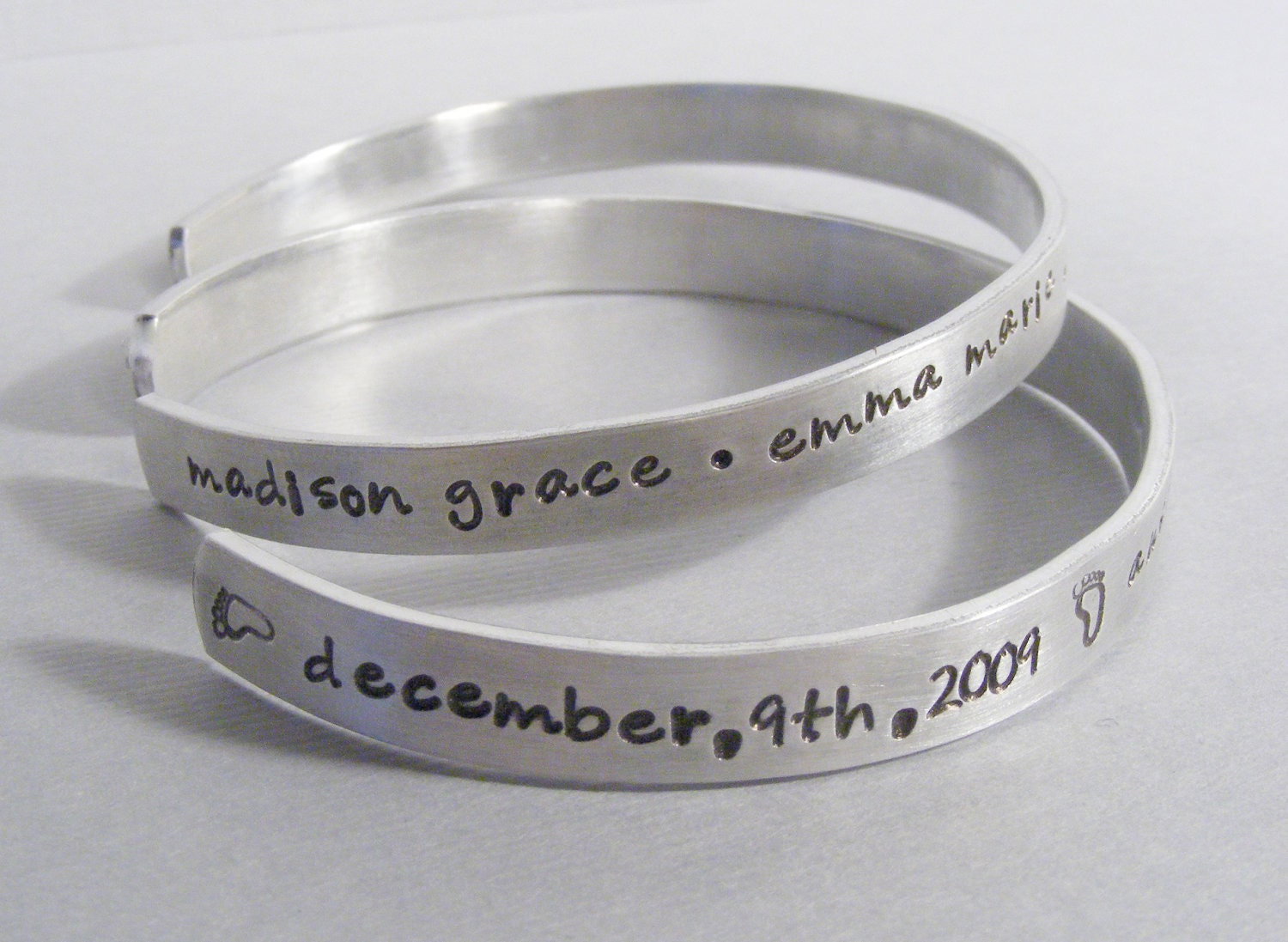 2 personalized mothers bracelets sted jewelry