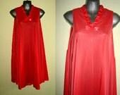 1970s poppy orange nightgown