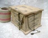 Jewelry Box,   DecorativeTrinket Box, Shabby Chic, Old fashioned, Rustic