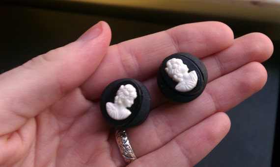 5/8 Black Cameo Plugs.