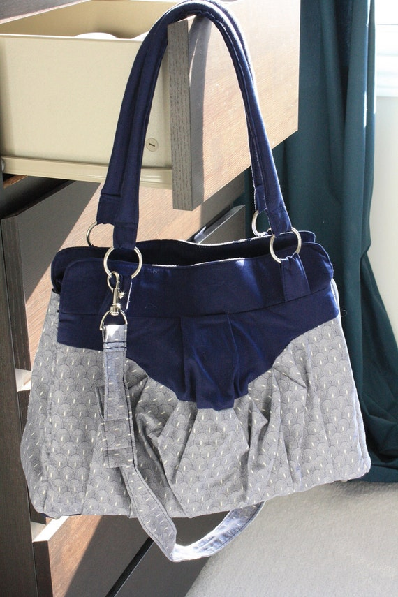 DLSR / SLR camera bag - oval with blue accent fabric