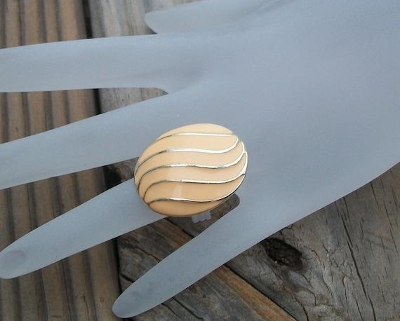 Vintage Ivory Beige Wave Upcycled Ring