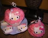 hello kitty jumbo cupcake candle