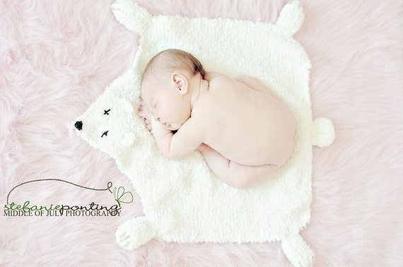 Polar Bear Rug Knitting Pattern : Knitting pattern faux polar bear rug blanket photography
