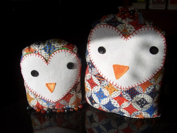 Primitive Folk Art - Hand Sewn Plush Owls - Mother and baby Owl - Mama & Baby Owl