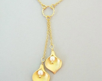 Calla Lily Necklace - Gold Calla Lily Lariat with White Pearls