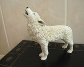 90s Howling white Wolf Figurine Statue