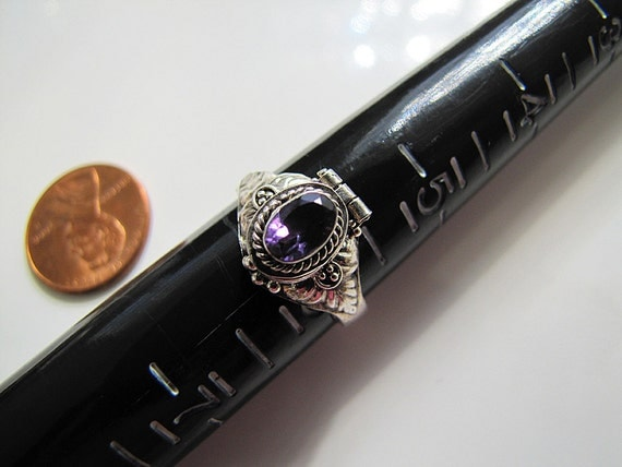 Ornate Amethyst Sterling Silver Poison Ring Size 6