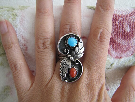 Beautiful Large old primitive handmade Turquoise and Coral Elongated Sterling Silver Ring (size 6)
