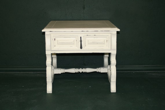Nightstand with Drawer in Veranda Ivory