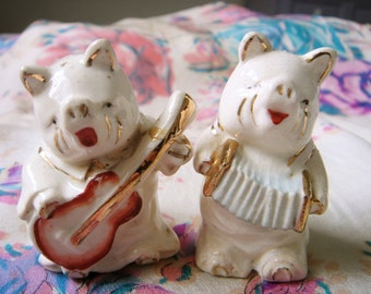 Vintage Salt and Pepper Shakers-Musical Pigs
