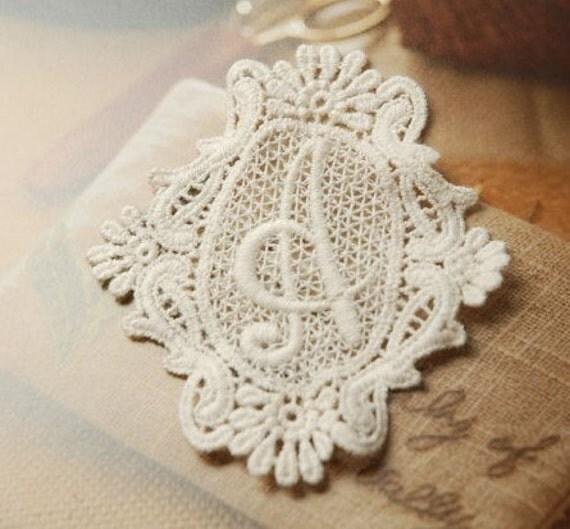 Vintage Letter A Embroidery Lace Appliques Beige Appliques 2pcs