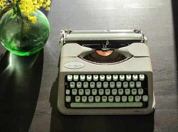 Hermes Baby Portable Manual Vintage Typewriter