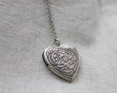 Vintage style sunflower Heart Locket - S2207 - Christmas gift