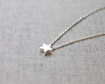 Cute tiny Star charm Necklace - S2157-1