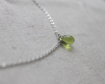 Clear green glass droplet Necklace - S2181-1