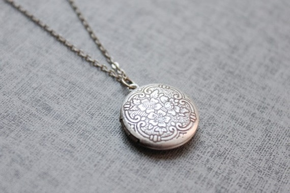 Vintage style Floral pattern round Locket - S2086-1 - Christmas gift