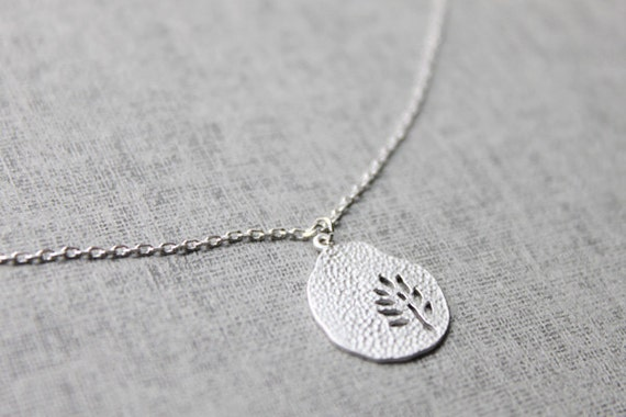 Dainty tree cutout coin pendant Necklace - S2165-1