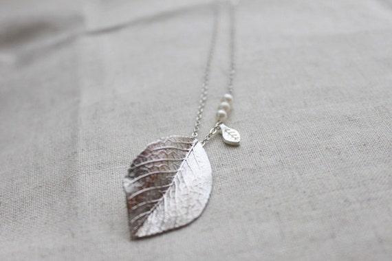 Modern Leaf  Necklace - S2035-1