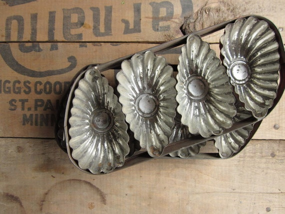 Tart Tins, Set of Two Antique Metal Tart Tins