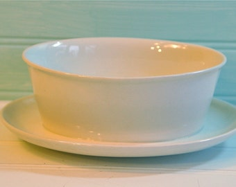 Vintage Franciscan Ware Whitestone Ware Gravy Boat with Attached Underplate, 1960s