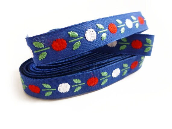 Vintage Flowers Trim, Blue, Red & White Trim