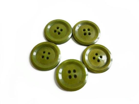5 Olive Buttons, Green Vintage Buttons, Bakelite