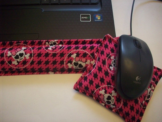 Hot/ Cold Aromatherapy Keyboard and Mouse Wrist Supports Girly Crossbone