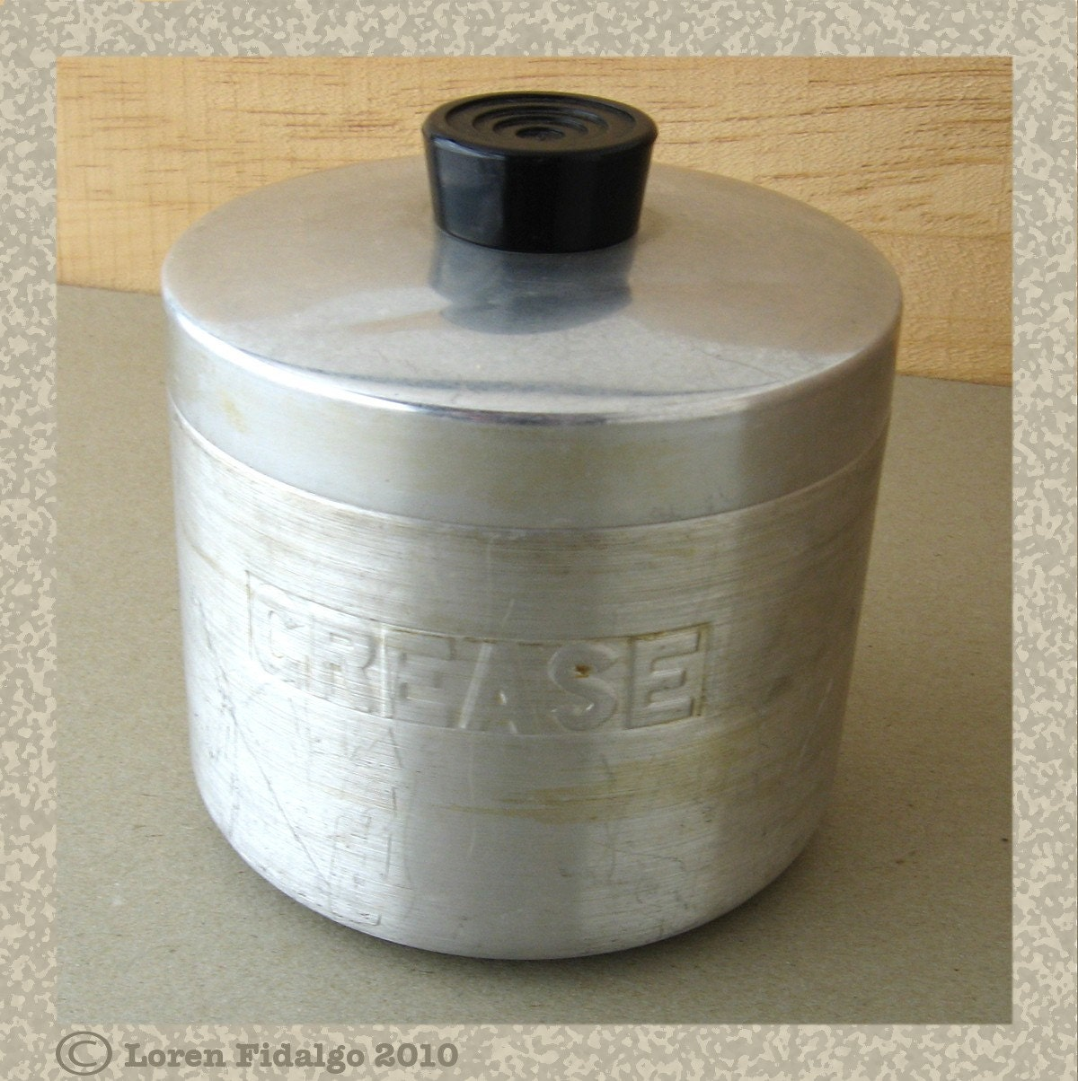 Aluminum Grease Can With Lid
