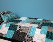 Turquoise and Black Bedding
