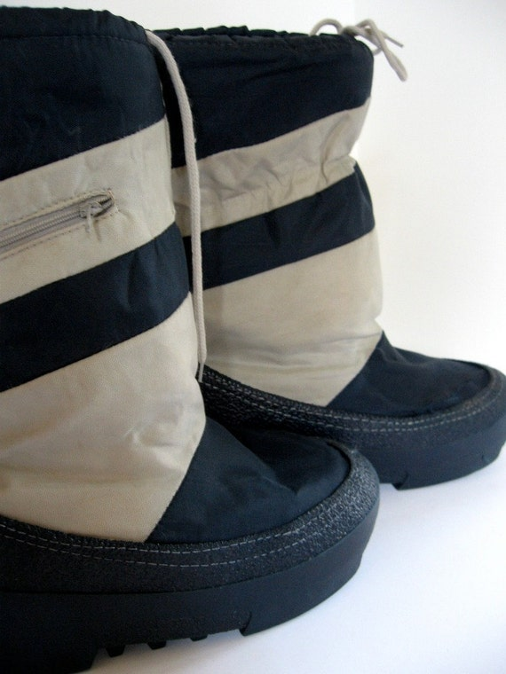 Rad Vintage Men S Moon Boots With Zipper Pockets By Oopsygirl