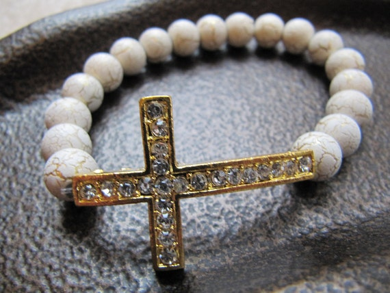 Gold Crystal Side Cross Bracelet with White Beads with Crackled Gold