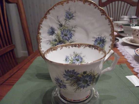 Aynsley cup and saucer circa 1930's-  12