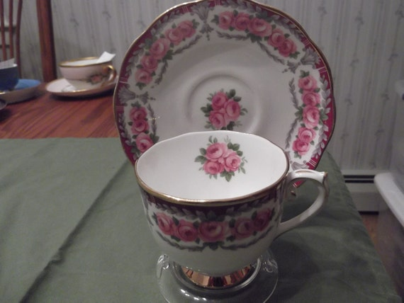Roslyn cup and saucer called Buckingham circa 1946-1950's-  370