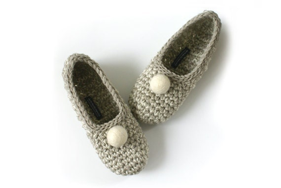 Beige Crochet Slippers with Vanilla Felt Embellishment