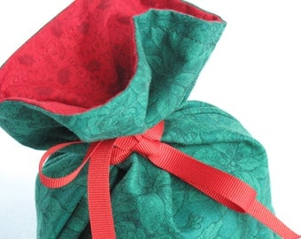 Itty Bitty Fabric Gift Bag - Green Poinsettias and Red Holly