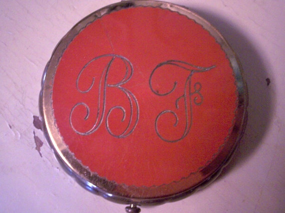 Vintage Red and Gold Dorset Rex of Fifth Avenue Compact...1951