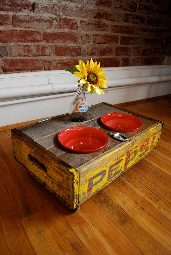 UPCYCLED - Vintage Pepsi Crate Pet Feeder