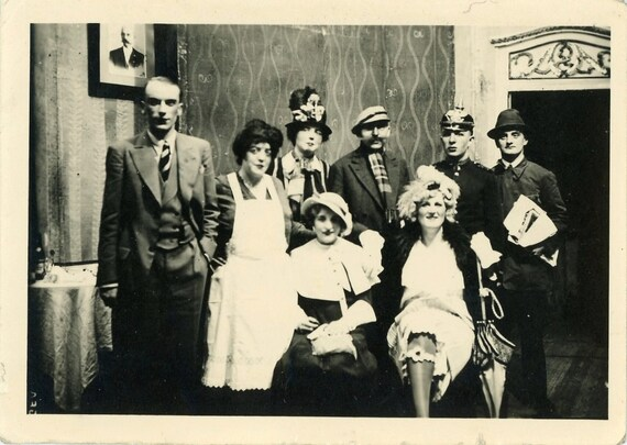 Vintage Photo - Mystery Dinner - FT003
